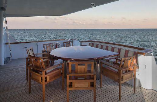 Burger Motor Yacht image