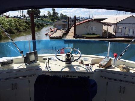Tollycraft Tri-Cabin DIESEL image
