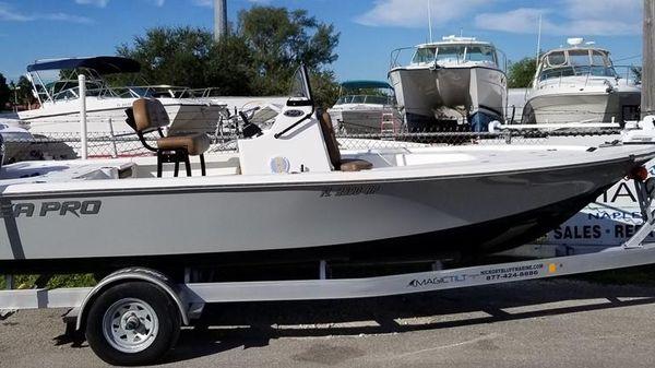 Sea Pro 208 DLX