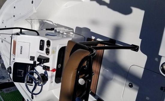 Sea Pro 208 DLX image