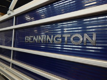 Bennington 28QFB image