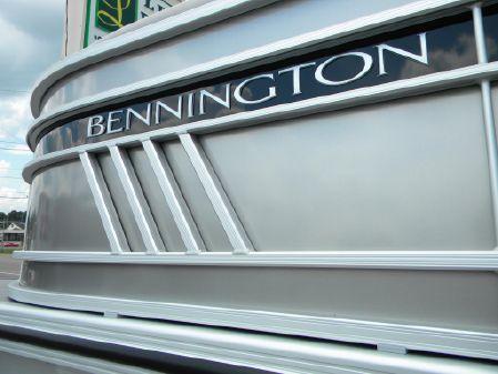 Bennington 23LXFB image