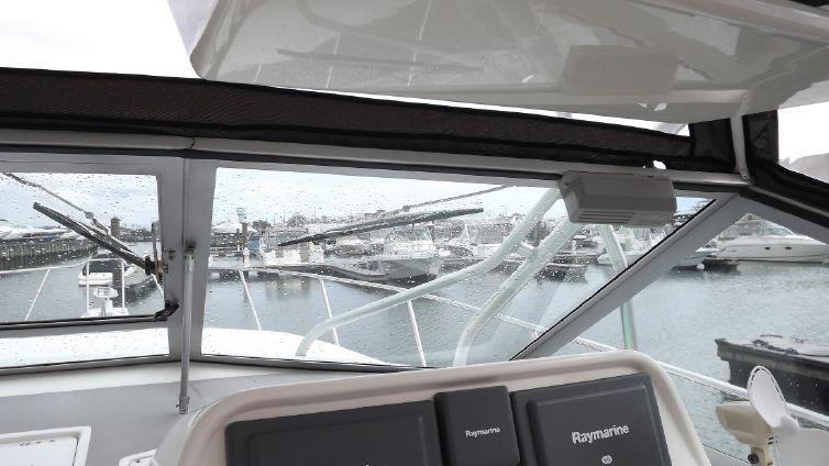 Wellcraft 330 Coastal image