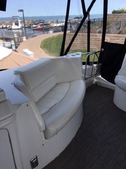 Carver 570 Voyager Pilothouse image