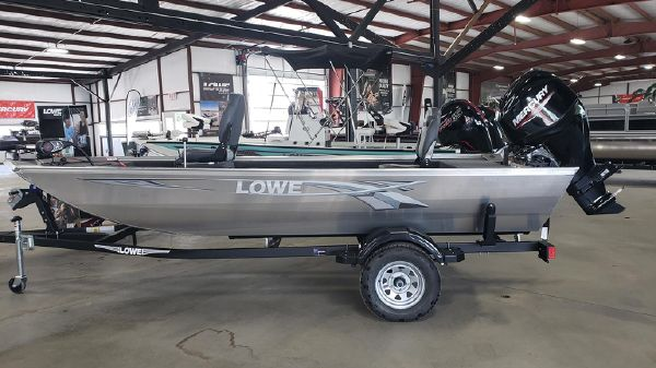 Lowe Skorpion Stick Steer