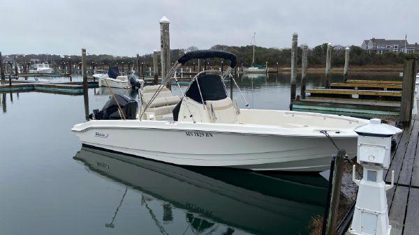 Boston Whaler 220 Dauntless