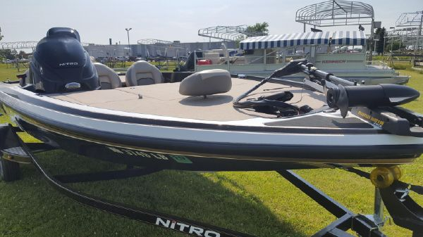 Used Boats For Sale - Central Marine and Sports | Carlos