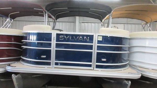 Sylvan Mirage 8520 Cruise N Fish