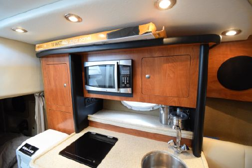 Rinker 280 Express Cruiser image
