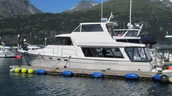 Bayliner 4788 Pilothouse/Sky Lounge