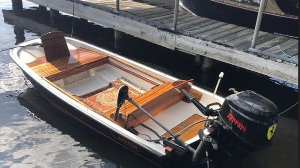 Boston Whaler 11