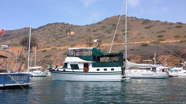CHB Sun Deck Trawler