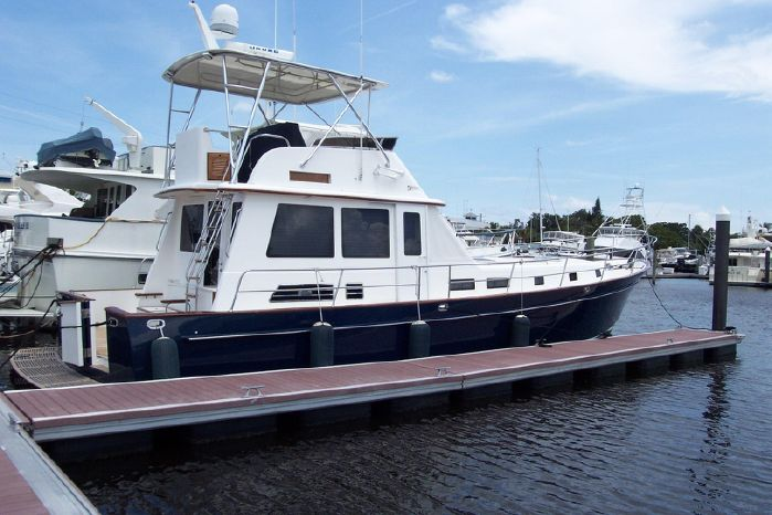 2004 Legacy Yachts Flybridge Sedan Buy Buy