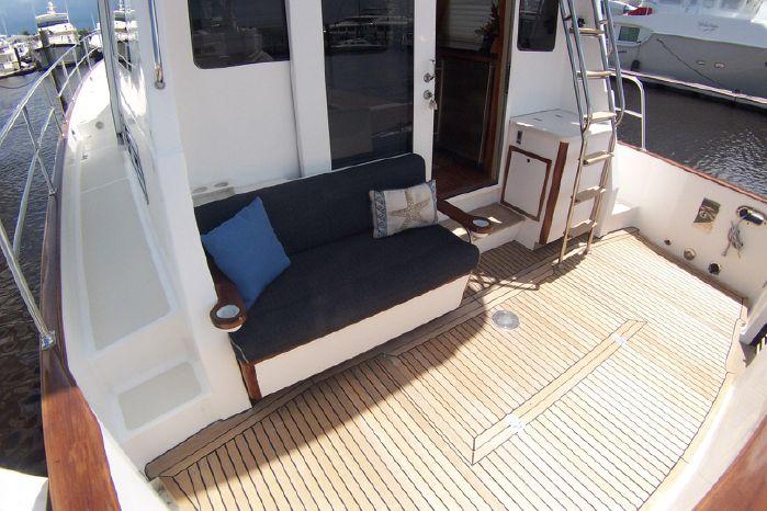 2004 Legacy Yachts Flybridge Sedan Buy Sell