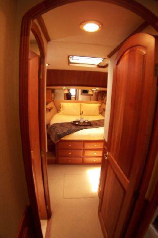 2004 Legacy Yachts Flybridge Sedan Buy Rhode Island