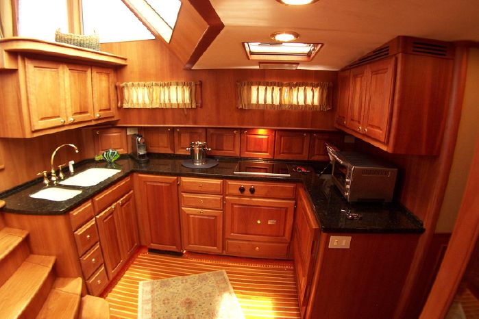 2004 Legacy Yachts Flybridge Sedan Buy Maine