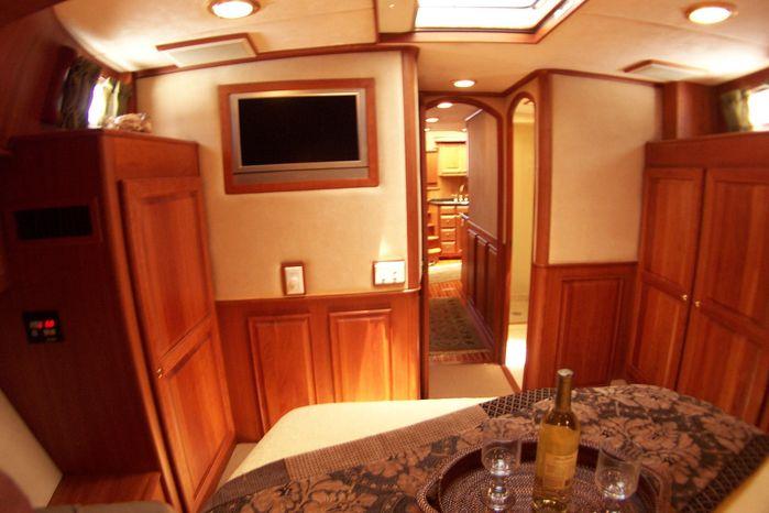 2004 Legacy Yachts Flybridge Sedan Purchase Rhode Island