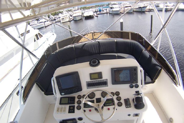 2004 Legacy Yachts Flybridge Sedan Sell BoatsalesListing