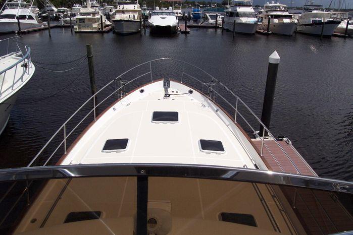 2004 Legacy Yachts Flybridge Sedan Sell Buy