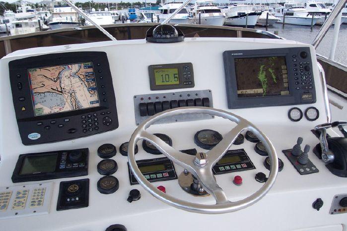 2004 Legacy Yachts Flybridge Sedan Sell Sell
