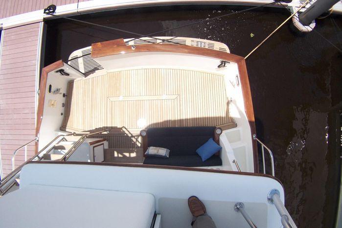 2004 Legacy Yachts Flybridge Sedan For Sale Broker
