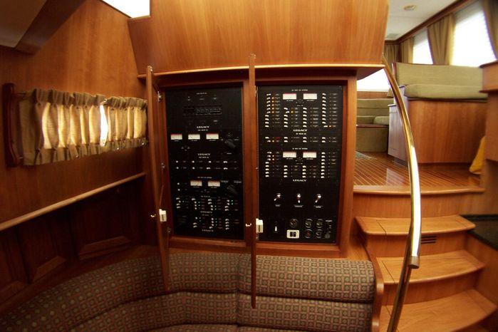 2004 Legacy Yachts Flybridge Sedan For Sale Rhode Island