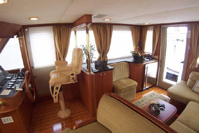 2004 Legacy Yachts Flybridge Sedan Broker BoatsalesListing