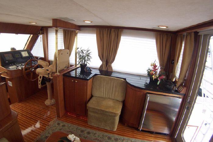 2004 Legacy Yachts Flybridge Sedan Broker Brokerage