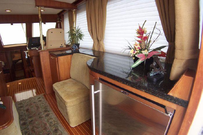 2004 Legacy Yachts Flybridge Sedan Broker Buy