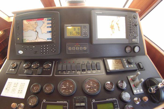 2004 Legacy Yachts Flybridge Sedan Broker New England