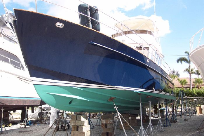 2004 Legacy Yachts Flybridge Sedan Brokerage Buy