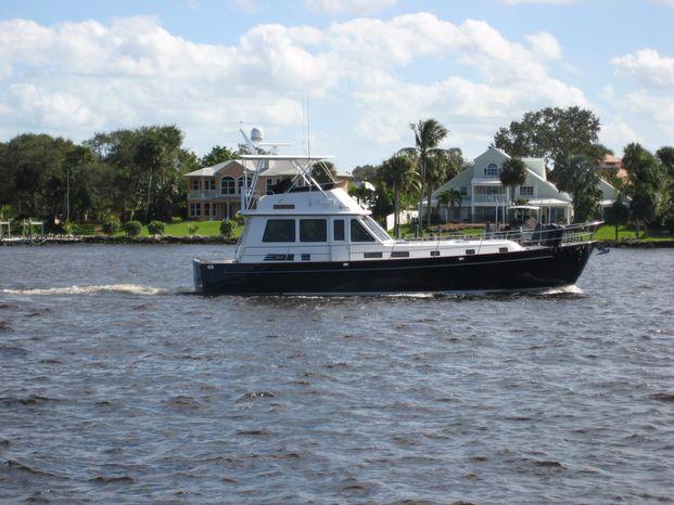 2004 Legacy Yachts Flybridge Sedan Brokerage Rhode Island