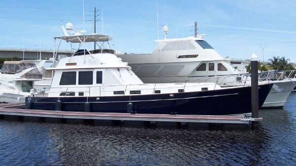 Legacy Yachts Flybridge Sedan