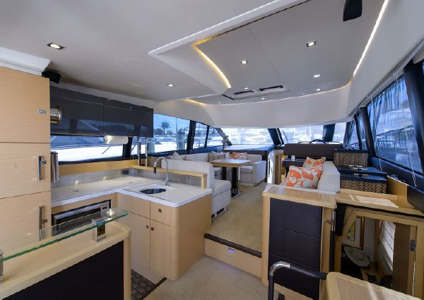Prestige 500 Flybridge image