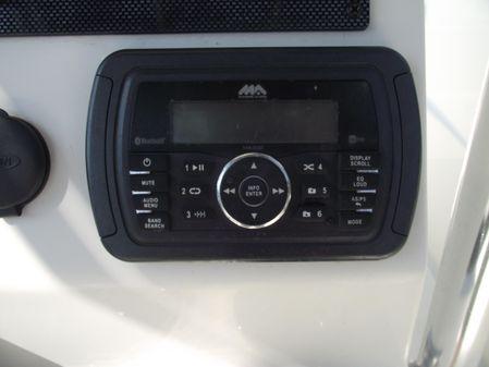 Bulls Bay 230 Center Console image