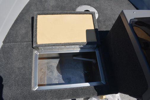 Smoker Craft 151 Resorter image
