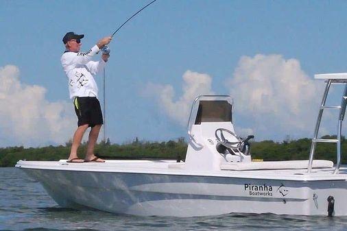 Piranha Alem F2000 image