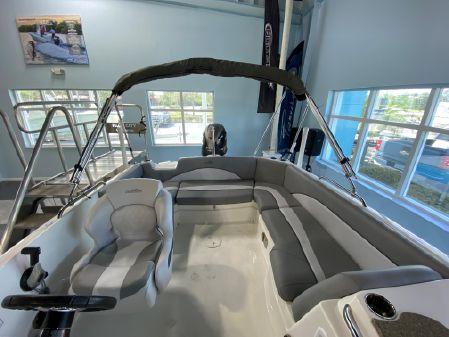 NauticStar 203SC Sport Deck image
