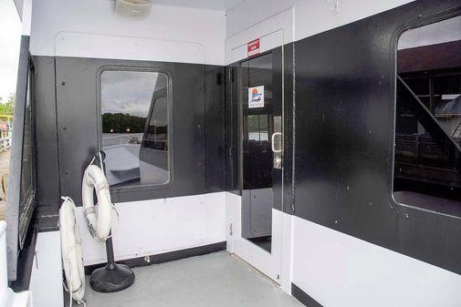 Custom Freeport 150 Passenger image