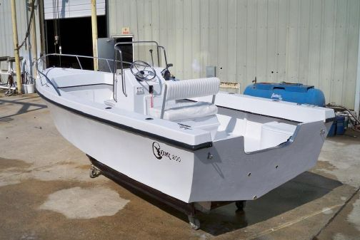 C-Hawk 200 Center Console image