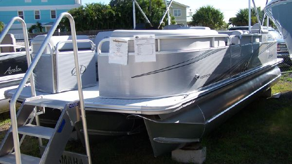 Avalon 2385 GS Rear Fish