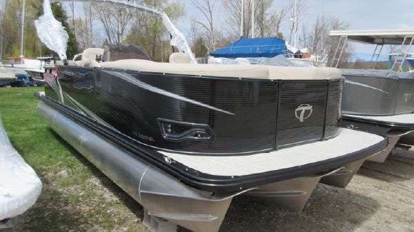 Tahoe Pontoon LTZ Quad Lounge - 24'