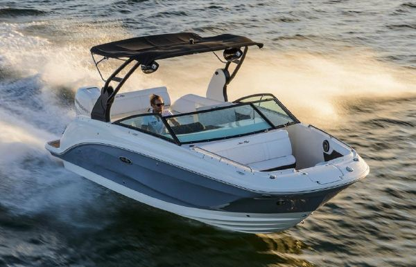 2018 Sea Ray SDX 250 Outboard