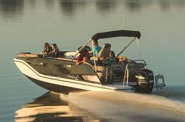 2020 Bayliner Element XR7