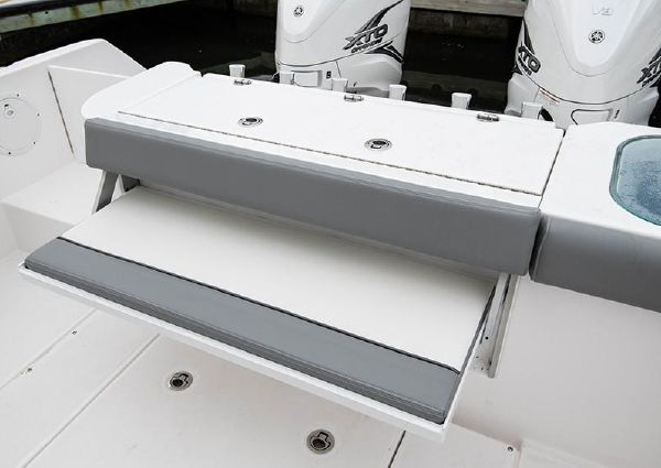 Everglades 365 Center Console image