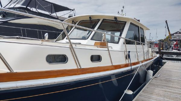 Grand Banks Eastbay 46 SX