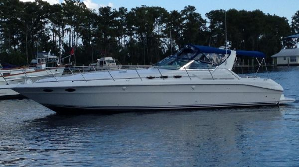 Sea Ray 400 Express Cruiser On the Water