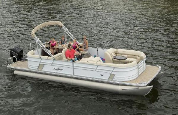 2019 SunChaser Eclipse 8525 Entertainer