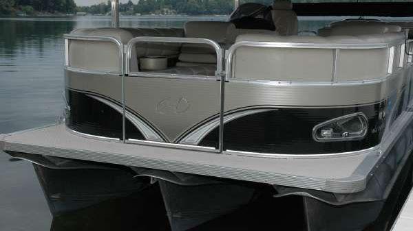 Avalon Avalon 24' Windjammer Elite Tri-Toon with 2011 Evinrude 150 HO E-TEC