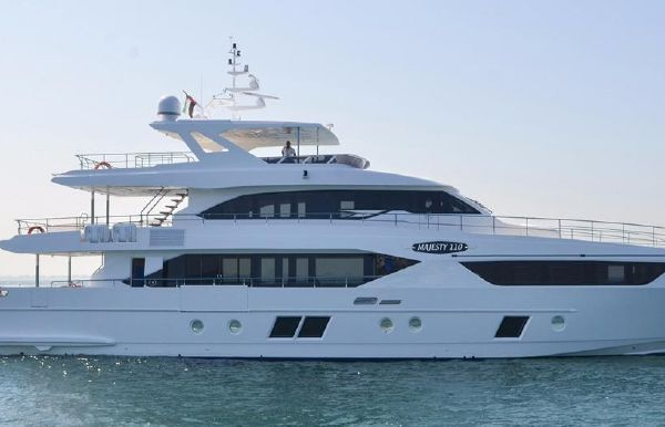 2018 Majesty Yachts Majesty 110